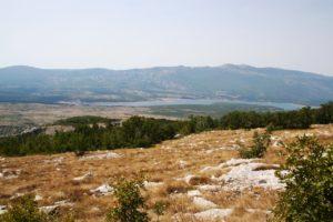 Lake Peruća and mountain Svilaja behind it